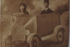 4-Photo Meraklı Fotoğraf Stüdyosu'nda çekilmiş kadın ve erkek fotoğrafı